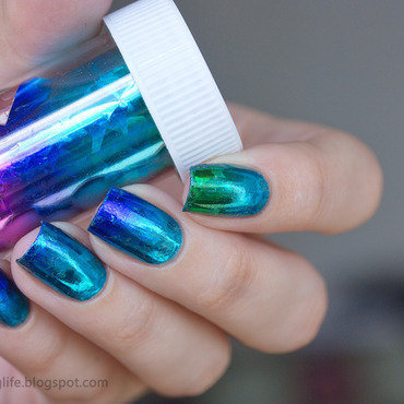 Gradient nail foils nail art by Alena Belozerova