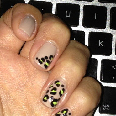 Leopard Attack nail art by aknelka