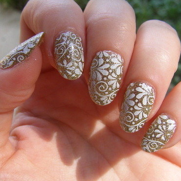 Gold and White stamp nail art by Szilvia