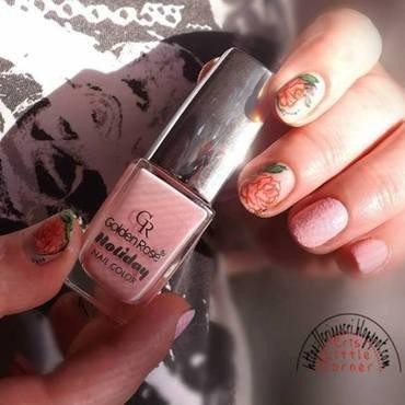 roses nail art by Cris'