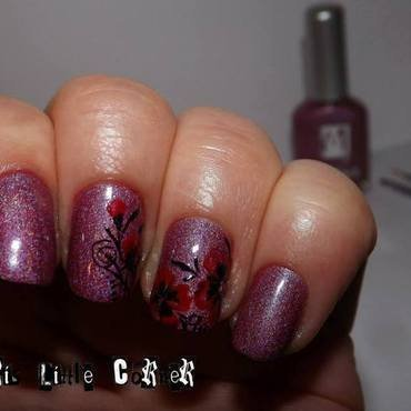 holo & flowers nail art by Cris'