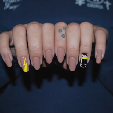 Stand Out, Goofy Movie nails nail art by Carise Iris