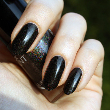 Colour Alike Black Saint Swatch by Pat