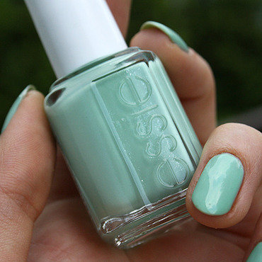 Essie Fashion Playground Swatch by Pat