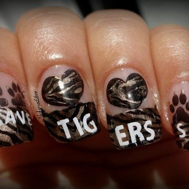 World Tigers Day!! nail art by Nicky