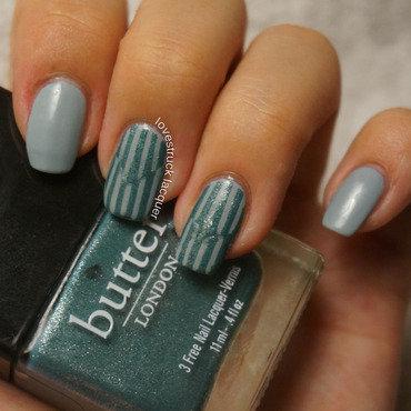 Reverse Chevron Stripes nail art by Stephanie L