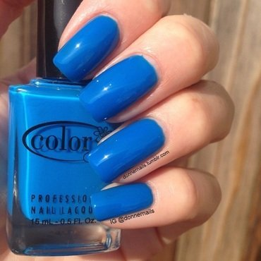 Color Club Chelsea Girl Swatch by Donner
