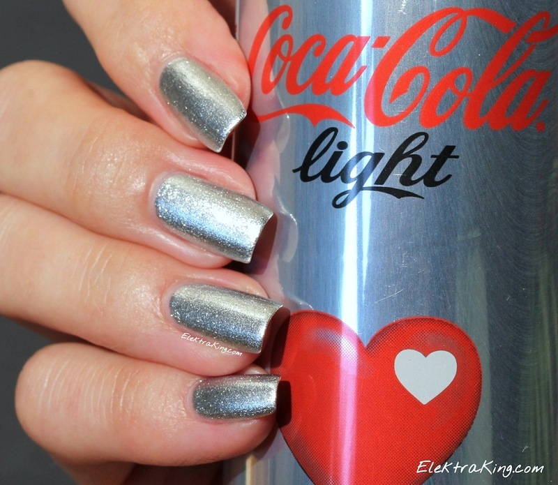 """OPI My Signature Is """"DC"""" and OPI Turn On the Haute Light Swatch by Elektra King"""