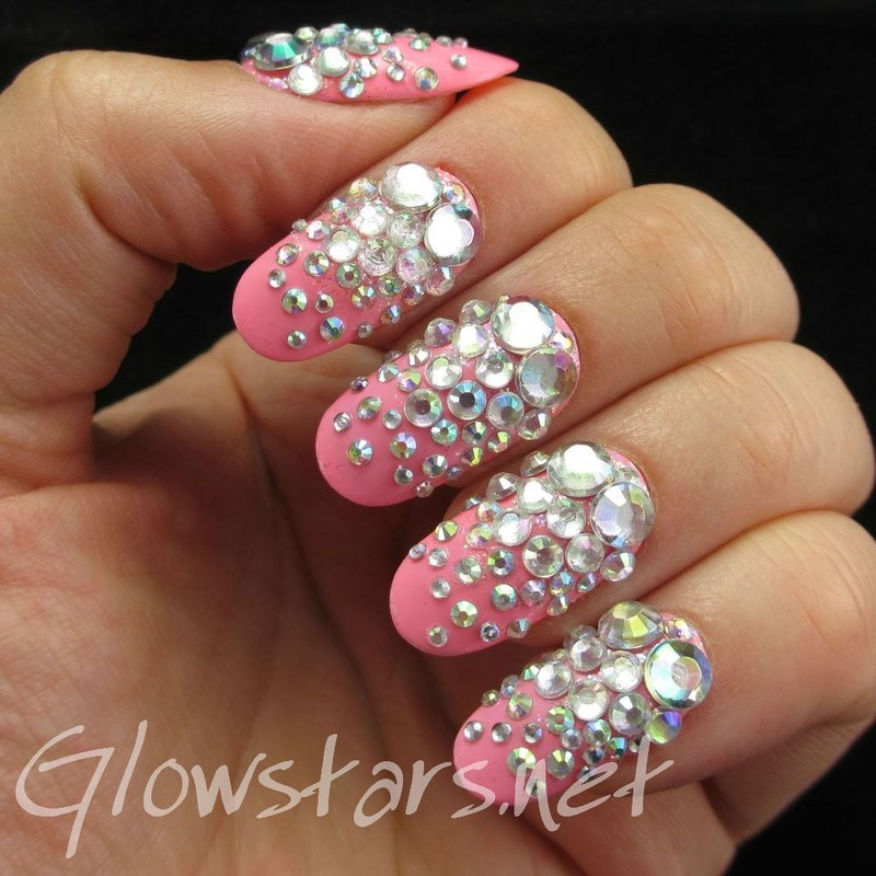 Tell me when I can breathe again nail art by Vic 'Glowstars' Pires