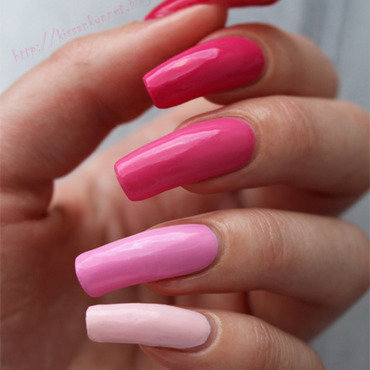 Pink Ombre Manicure nail art by Yue