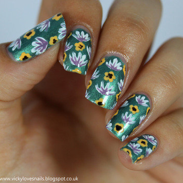 More Floral Nails nail art by Vicky Standage