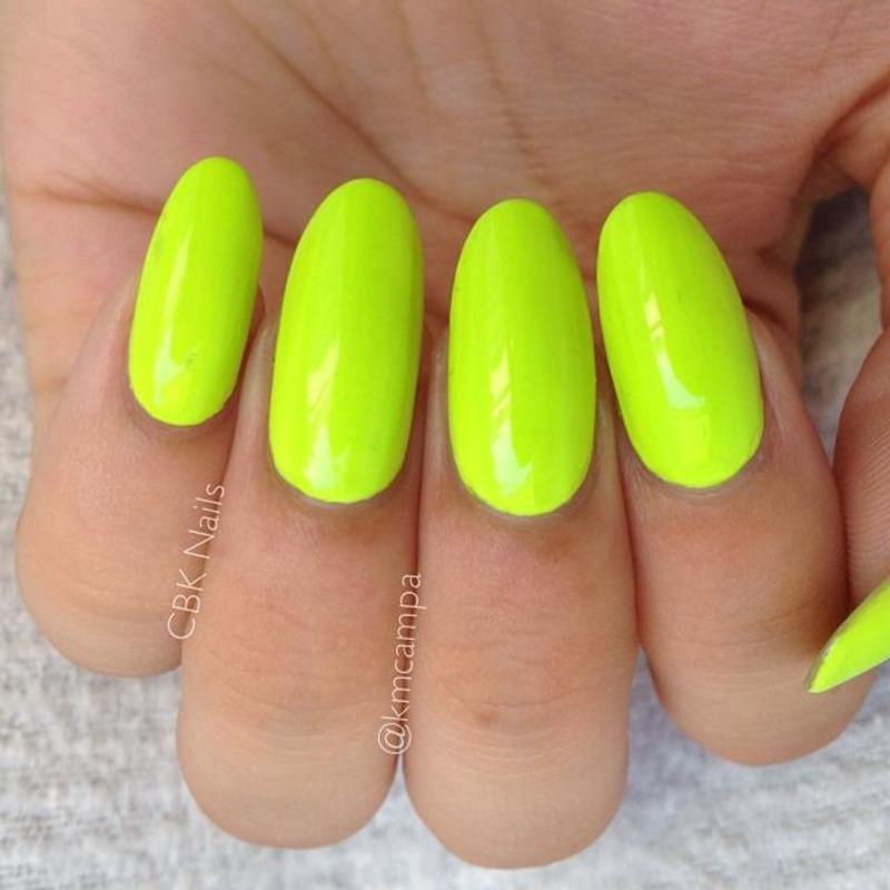 Floss gloss Con Limon Swatch by Kasey Campa