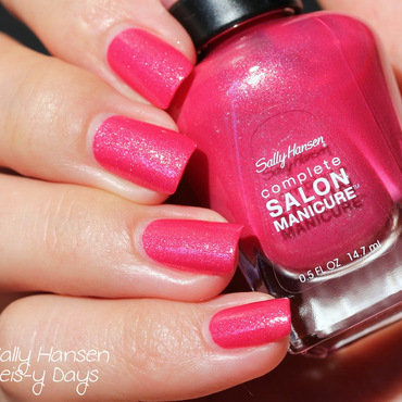 Sally Hansen Leis-y Days Swatch by Elektra King