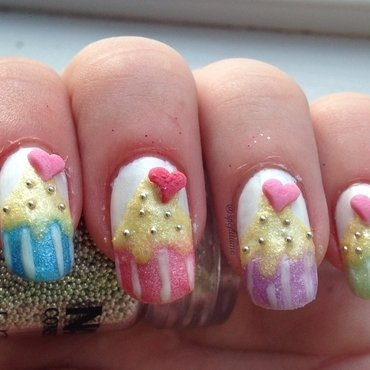 Sweetie Crush Cupcakes nail art by Sparkly Nails by Spejldame
