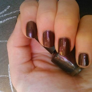 OPI Muir muir on the wall Swatch by manon des ours