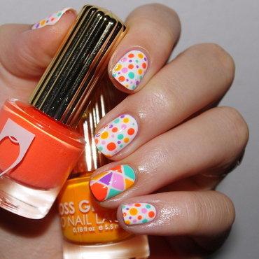 Summer dots. nail art by Bulleuw