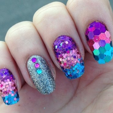 Glitter Placement nail art by Sparkly Nails by Spejldame
