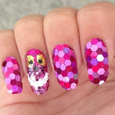 Sparkly Cheshire Cat nail art by Sparkly Nails by Spejldame