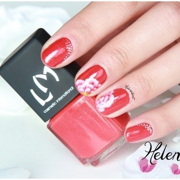 red flower nail art by LÊ Hélène
