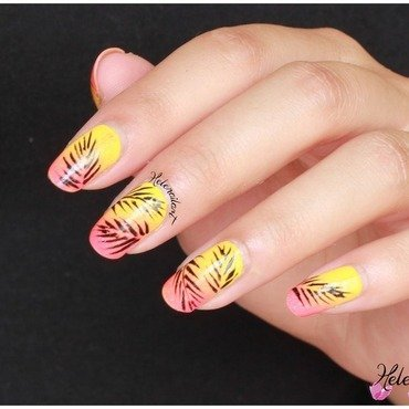 palm leaf nail art by LÊ Hélène