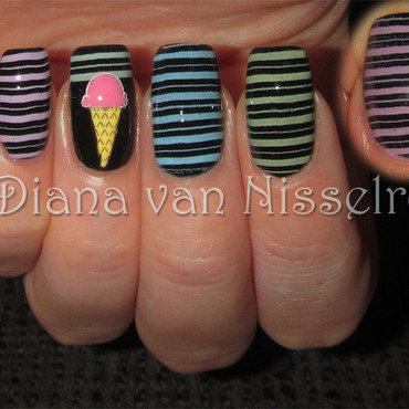 Ice Cream and lines nail art by Diana van Nisselroy