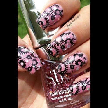 Pink Pizaaz nail art by pcontreras8nails