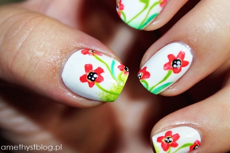 Maki na łące ! nail art by Amethyst