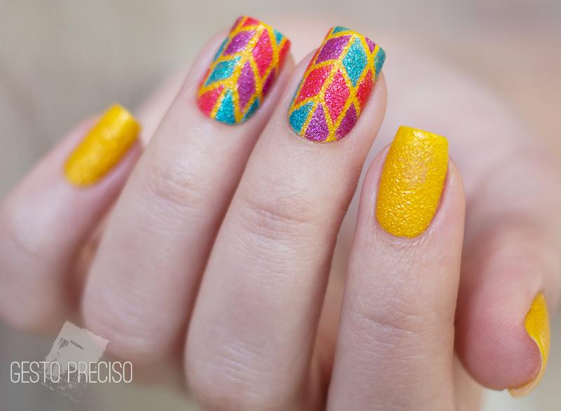Geometric summer nail art by Gi Milanetto