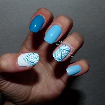 Blue dots nail art by Emilie