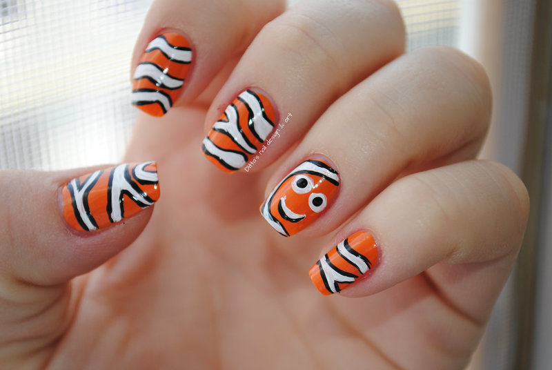 Finding Nemo nail art by Ditta