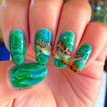 Sea turtle nail art by Tara Huff