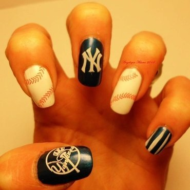 New York Yankees nail art by Angelique Adams