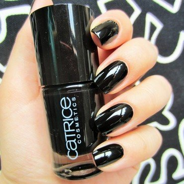 Catrice Black To The Routes Swatch by Jane