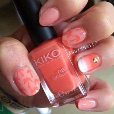 Peachy palmtrees nail art by Annienailz