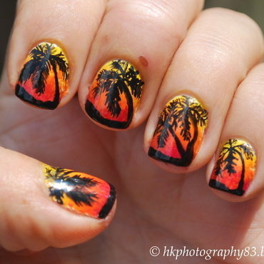 Palm Tree Nail Art nail art by Hana K.