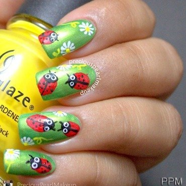 Ladybug Nails nail art by Pearl P.