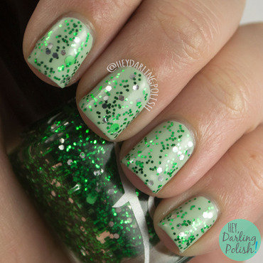 Fandom cosmetics cunning and resourceful green swatch 3 thumb370f