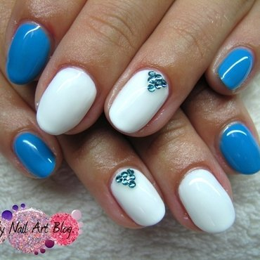 White and blue nail art by Boglarka Tornai