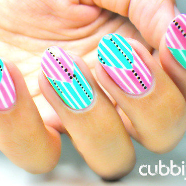 Reverse Chevrons With Dots nail art by Cubbiful