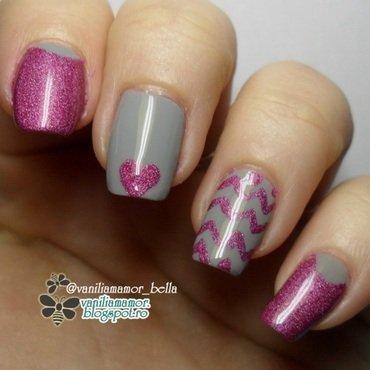 Pink-grey chevron nail art by Isabella