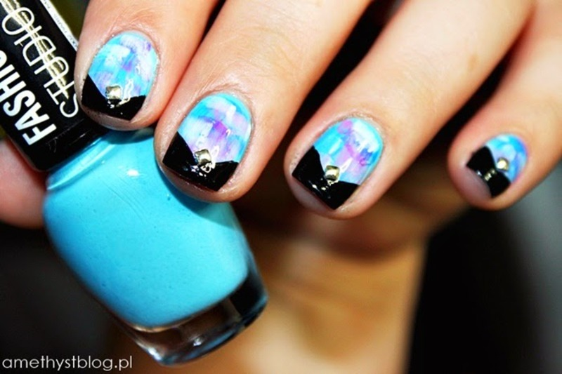 BLACK AND BLUE nail art by Amethyst
