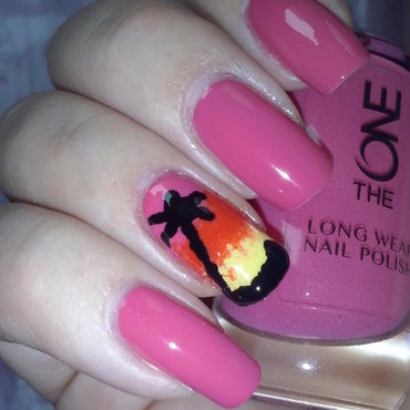 Palm tree nail art by Alice in Wonderland CZ