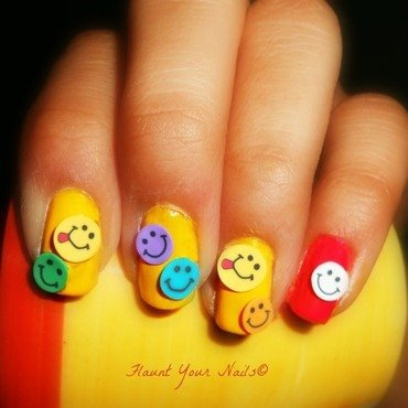Cute Smileys nail art by Vidula Kulkarni