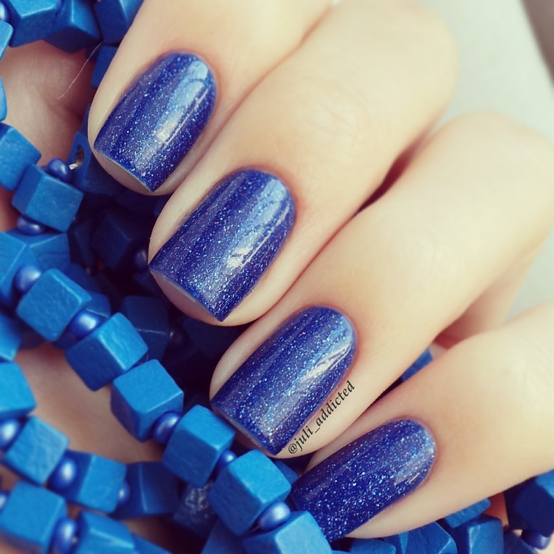 piCture pOlish Freya's Cats Swatch by Juli