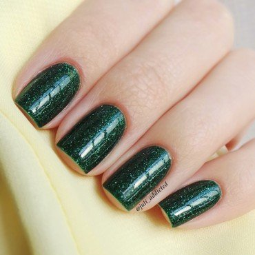 piCture pOlish Kryptonite Swatch by Juli