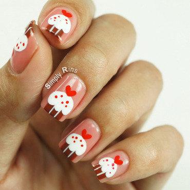 Cupcakes for Valentine's nail art by Rina Alcantara
