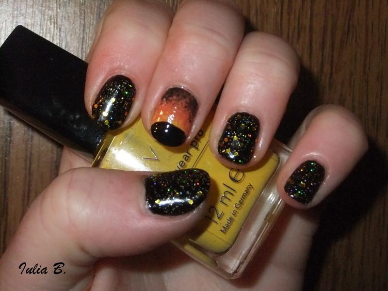 Eclipse nail art by Iulia - Nailpolis: Museum of Nail Art