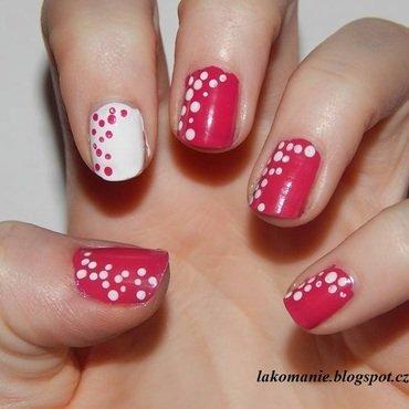 Pinky dots nail art by Lakomanie