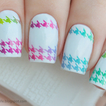 Neon 20houndstooth 20decals 20manicure 20swatch 201 thumb370f