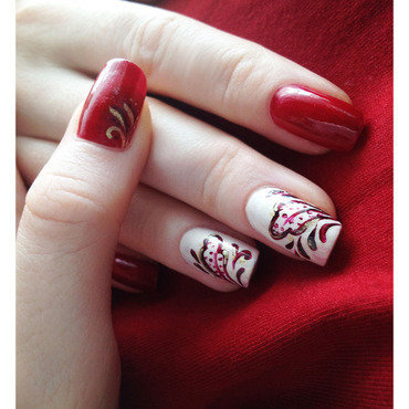 Arabesque nail art by Bazavan Diana
